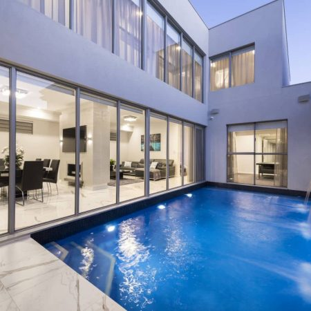 Elysse-Pool